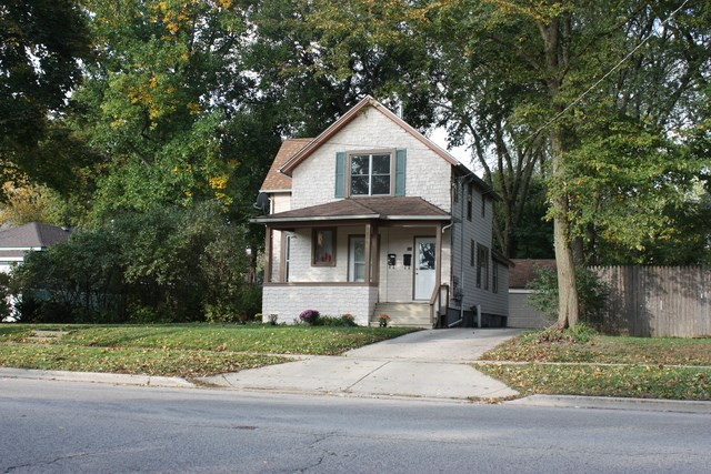 216 N Liberty St, Elgin, IL - USA (photo 1)